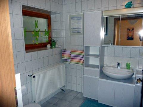 Hahn Ferienwohnung Badezimmer